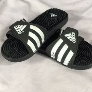 4e4a66dd9eb162 adidas Shoes - Adidas Velcro Signature Logo Slippers 6